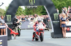 Cummins Storms To Second In The Senior TT While Mcguinness Secures A Solid Sixth