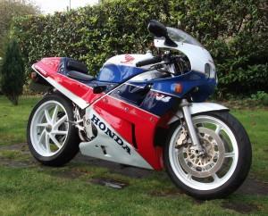 1989 Honda VFR 750 RC30 side