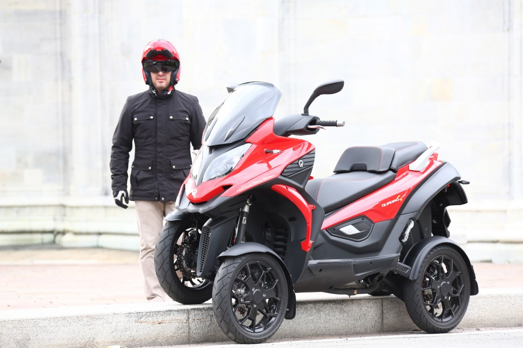 The World's Only 4 Wheel Scooter And Innovative Hydraulically Damped 3 Wheel Scooter Has Arrived In The UK!